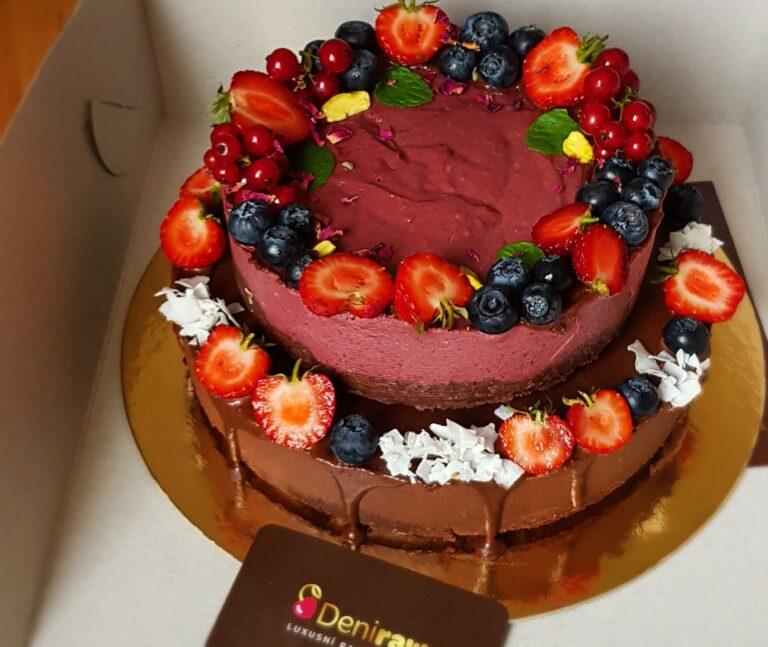 Dvoupatrový raw dort